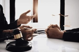 bankruptcy-attorney-client-discussing