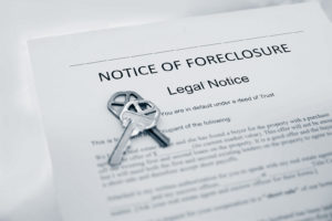 Notice-of-Foreclosure-Document-and-House-Keys